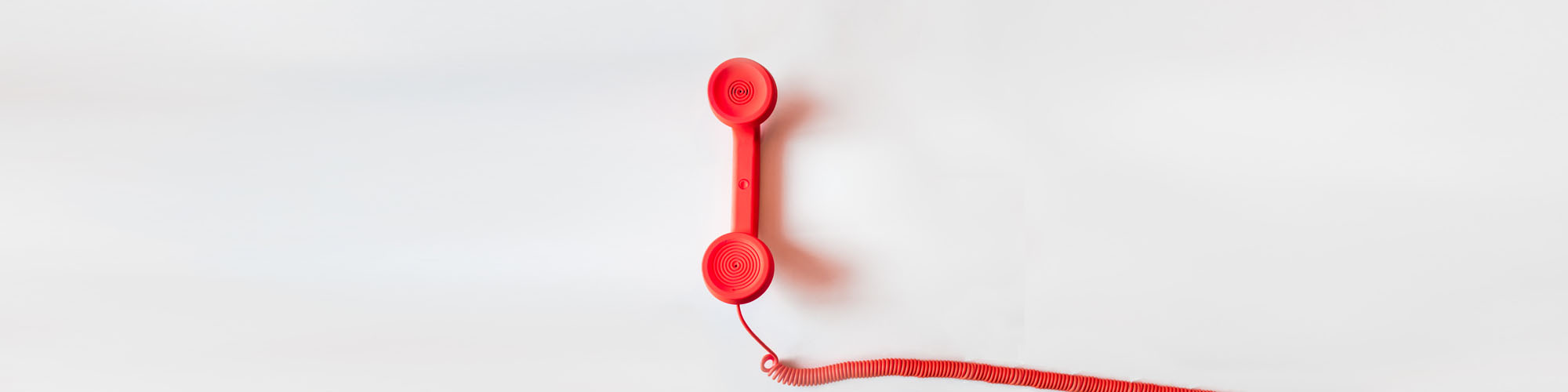 Auf der Kontakt-Seite finden Sie alle Telefon- und Faxnummern