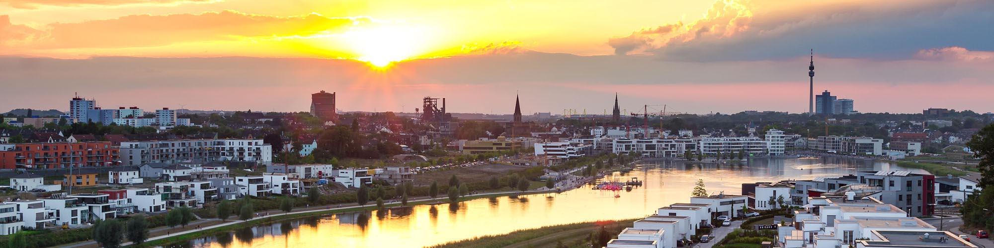 Weidenbach Immobilien Herne: Ein malerischer Blick auf Immobilien in Dortmund am Phönixsee