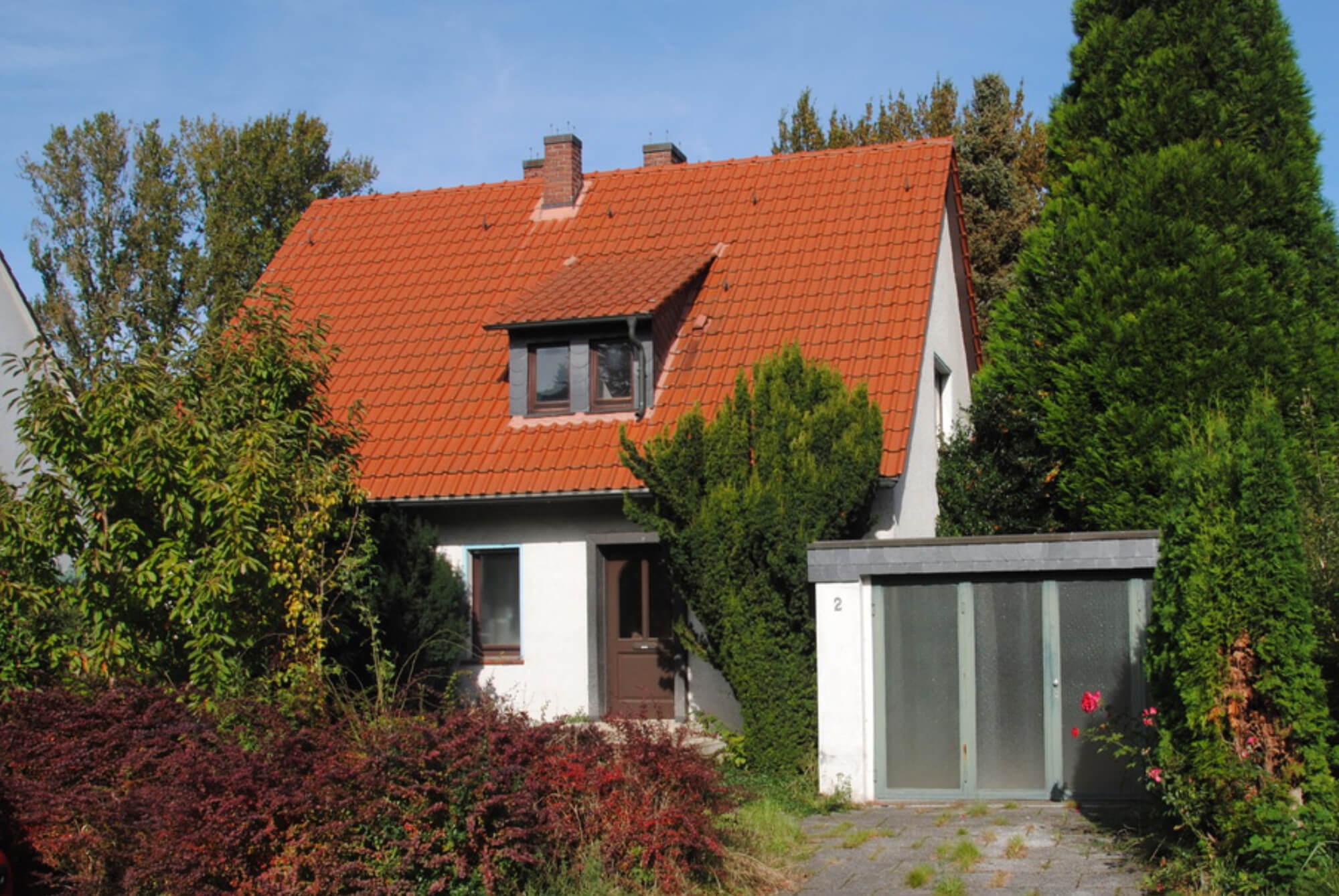Haus in Süd mit parkähnlichem Grundstück